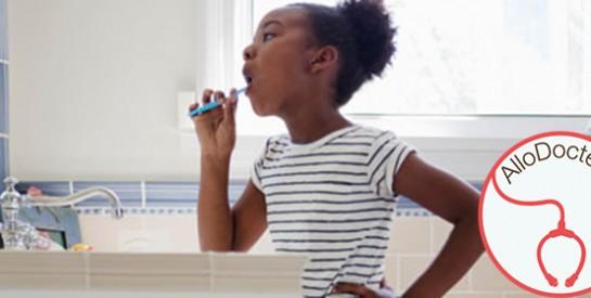 A quelle fréquence utiliser l`eau oxygénée et le bicarbonate pour les dents?