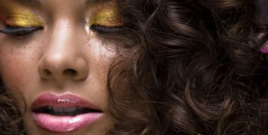 Peau noire et métisse :  Quelle couleur de maquillage privilégier?