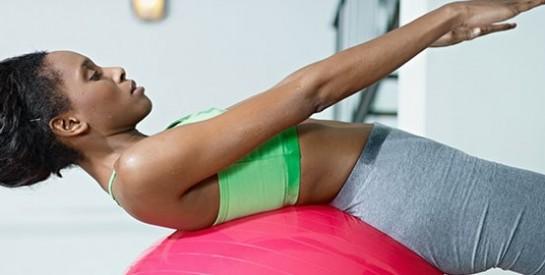 6 exercices pour éliminer le bourrelet du soutien-gorge