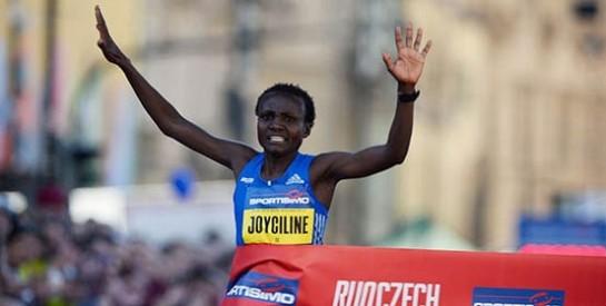 Joyciline Jepkosgei bat son propre record du monde sur 10 km route
