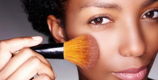 Maquillage, quel avantage beauté ont les filles à peau noire, métisse par rapport aux autres ?
