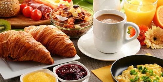 Pour votre bien, mangez du gras au petit déjeuner