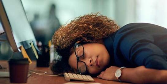 Et si on rendait obligatoire la sieste au travail ?
