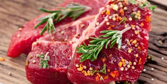 La marinade et les herbes : les deux astuces pour que la cuisson de votre viande ne soit plus cancérigène
