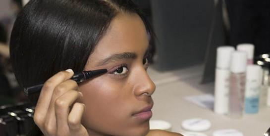 L`incroyable astuce pour transformer son crayon yeux classique en un crayon gel