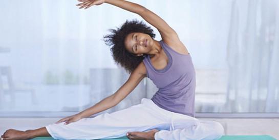 Prévenir les douleurs, chasser les tensions... 5 postures de yoga bonnes pour le dos