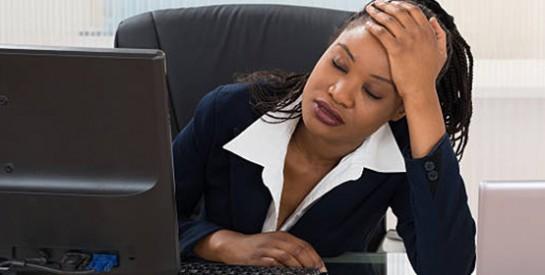 Une femme penserait à quitter son emploi 17 fois par an