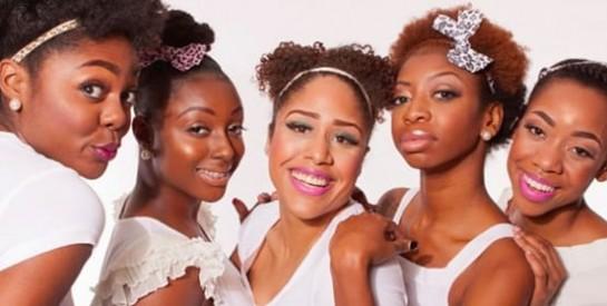 Elle est de retour la tendance make-up rose : osez-la!