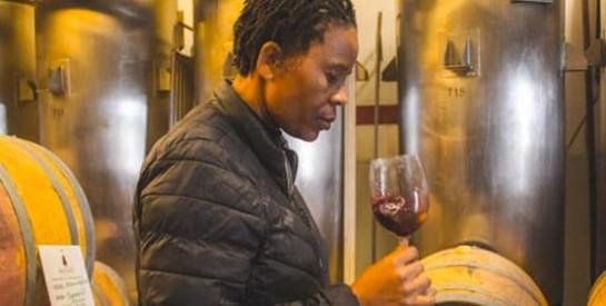 Ntsiki Biyela, première viticultrice noire d`Afrique du Sud, en pleine ascension
