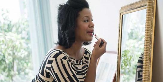 Lèvres pulpeuses : rouge à lèvres mat ou brillant, lequel choisir ?