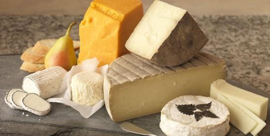 Faire manger du fromage à votre bébé diminuerait ses risques d'allergies