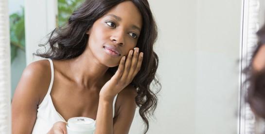 Base de maquillage pour le teint : à quoi ça sert ?