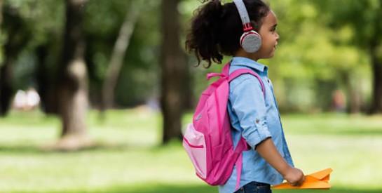 Dangers des casques audio et des écouteurs : comment protéger les oreilles de ses enfants ?