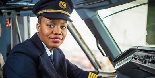 Admira António est la première femme pilote du Mozambique