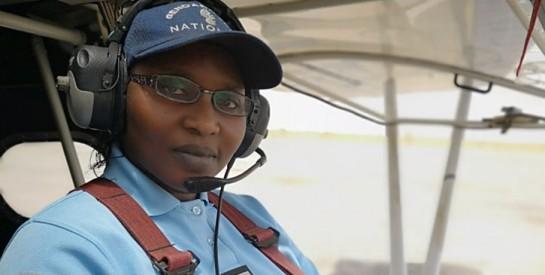 Le capitaine Mame Rokhaya Lo, la seule femme pilote dans l'armée sénégalaise