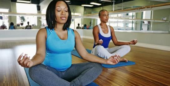 4 techniques de relaxation yoga anti-stress : essayez!