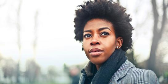 La Commission des droits de l'homme de New York interdit la discrimination raciale fondée sur la coupe de cheveux de leurs employés
