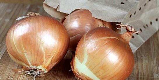 Astuces infaillibles pour conserver plus longtemps les oignons