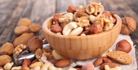 Manger des fruits secs et des graines pour diversifier son alimentation