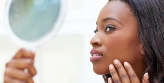 Comment éliminer les points noirs du visage avec du bicarbonate de soude