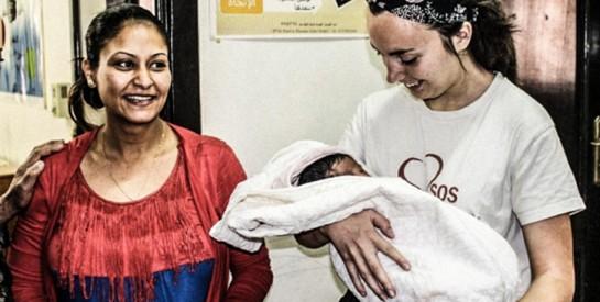 ''Jeune diplômée sage-femme, j'ai réalisé mon premier accouchement dans un bidonville du Caire''