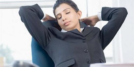Comment dénouer son corps au bureau : des astuces