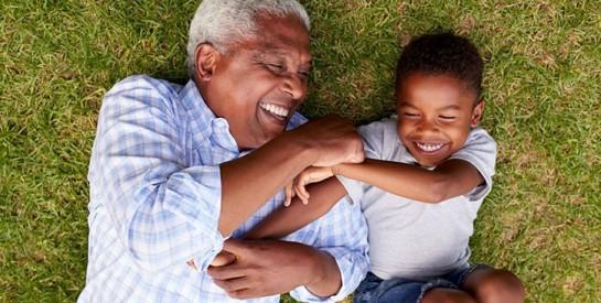 Les pères âgés mettent en danger la santé de leur partenaire et de leur enfant à naître