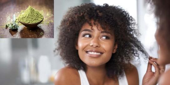 Comment appliquer le henné pour une belle coloration naturelle des cheveux crépus moins cassants et plus brillants