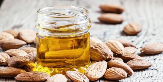 L'huile végétale d'amande douce : le soin cutané par excellence de bébé