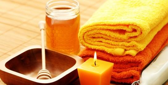 4 soins de visage au miel pour une peau impeccable, douce et rayonnante