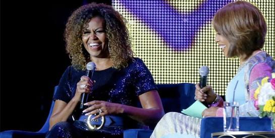 Michelle Obama affiche ses cheveux naturels, les internautes réagissent