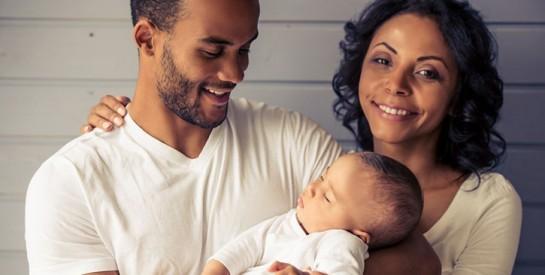 Le cododo ou dormir avec son bébé : les conseils de la sage-femme