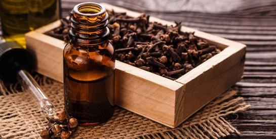 Ulcères, gaz intestinaux, indigestion… Essayez ce remède aux clous de girofle