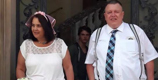 48 heures après leur mariage. il tue accidentellement sa femme avec un sextoy