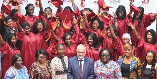 Deuxième édition du  Forum International du Leadership Féminin (FILF): l`Association SEPHIS honore 24 jeunes filles africaines