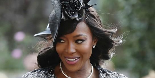 Naomi Campbell victime de racisme : la top model dit avoir été refoulée d'un hôtel français à cause de sa couleur de peau