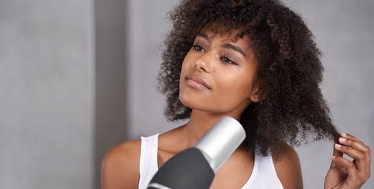 Cheveux : Attention au fer à lisser et autres appareils chauffants