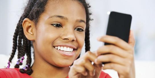 Premier portable de l`enfant : les règles à respecter et les erreurs à éviter