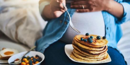 Grossesse : les 13 aliments déconseillés