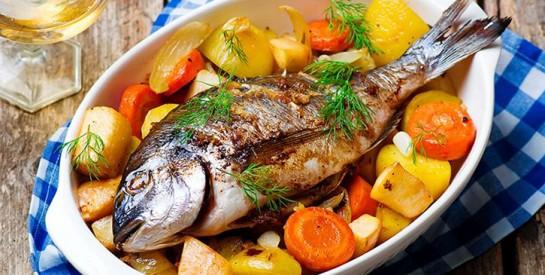 Manger du poisson et des fruits de mer pendant la grossesse améliorerait la concentration des enfants