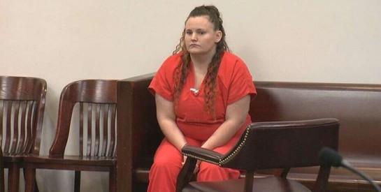 Une nounou écope de 20 ans de prison pour avoir abusé sexuellement et être tombée enceinte d`un garçon de 11 ans