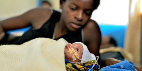 Pourquoi trop de mères meurent encore à l'accouchement en Afrique de l'Ouest