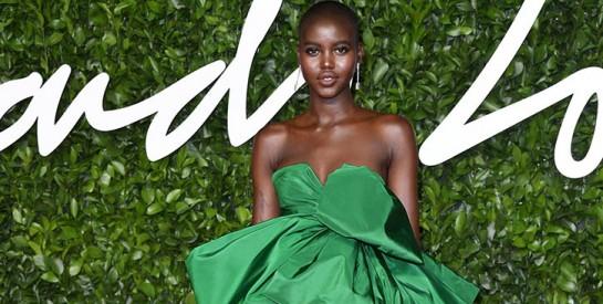 La mannequin sud-soudanaise Adut Akech récompensée aux Fashion Awards