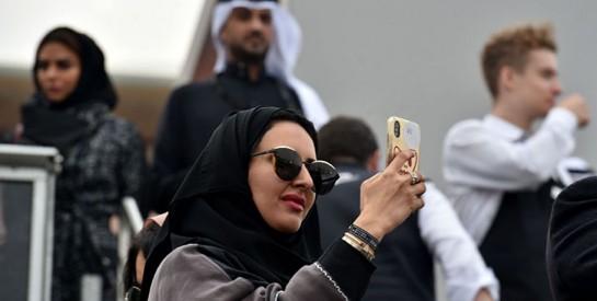 En Arabie saoudite, les restaurants et les cafés n`ont plus l`obligation de disposer d`entrées séparées pour les femmes