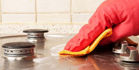 Astuces efficaces pour nettoyer une gazinière en inox