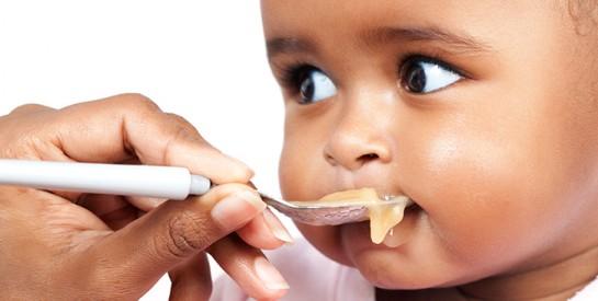 Les aliments à éviter pour un bébé de moins d`un an