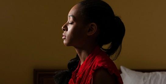 Elle bat sa mère pour avoir été accusée par un pasteur d'être une sorcière