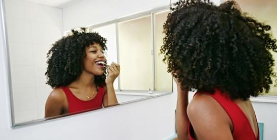 Coronavirus : mascara, fond de teint…Le COVID-19 peut-il survivre sur nos produits de beauté ?