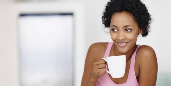 Une gaine amincissante après l`accouchement : pour ou contre ?