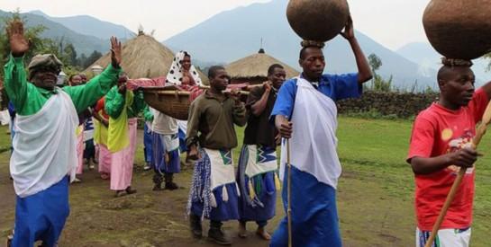 """Des """"tontines"""" pour aider à payer la dot au Rwanda"""